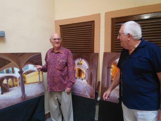 El archenero Carrillo 'el pintor de la noche' vuelve a exponer en Mallorca junto a otros grandes profesionales