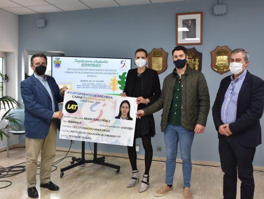 Ampliación del convenio con LAT Bus para los jóvenes que cursen estudios en Molina de Segura