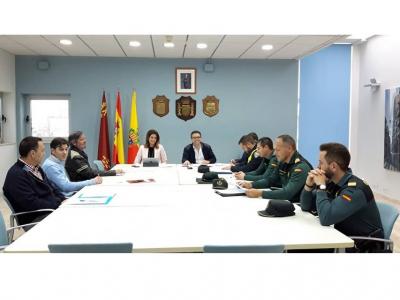 Reunión de la Junta de Seguridad Local, con motivo de la próxima festividad de Semana Santa, bajo la presidencia de la Alcaldesa