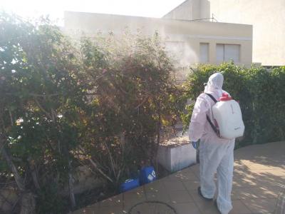 Tratamiento preventivo contra el mosquito tigre en las instalaciones de la piscina de verano