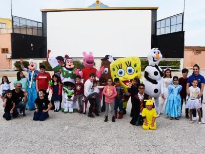 Archena se viste este fin de semana de color, alegría, baile de Carnaval de Piñata