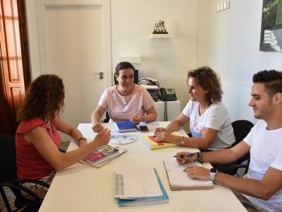 La Concejalía de Familia y Bienestar Social prepara la nueva temporada del servicio de Teleasistencia Municipal, que atiende a más de 600 personas