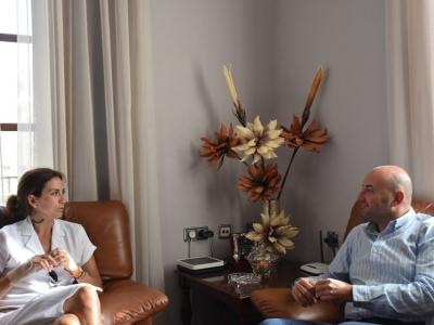 Reunión de la Alcaldesa y Joaquín Ruiz, gerente de la Entidad Regional de Saneamiento y Depuración de Aguas Residuales Esamur