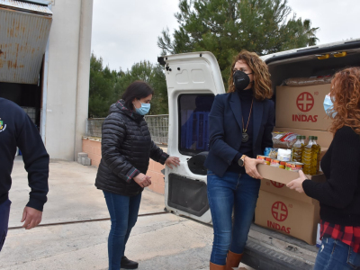 El Ayuntamiento entrega 1.000 kilos de alimentos no perecederos a la Asociación Sonrisa Saharaui para los campamentos de refugiados